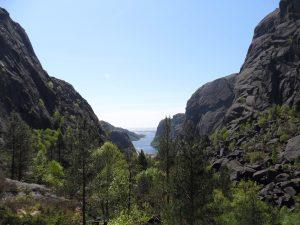 Utsikt ned Hellersdalen og utover Jøssingfjorden
