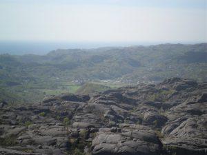 Utsikt mot Haua fra toppen av Hellersh