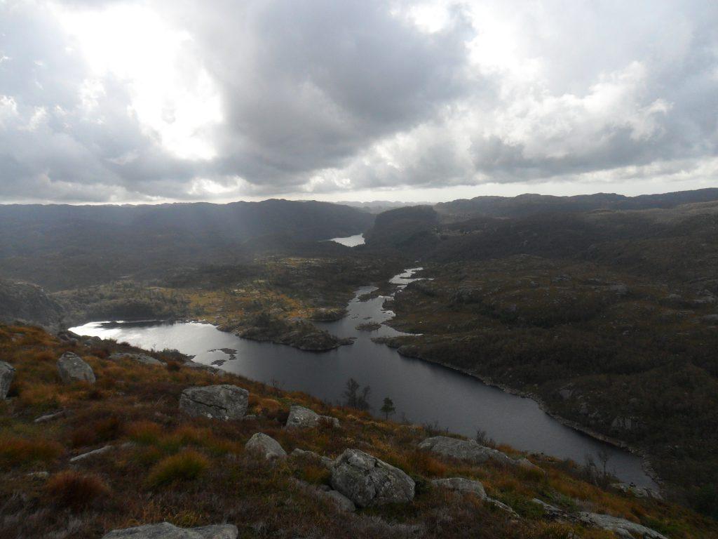 Linborgvatnet, og Årrestadvatnet i bakgrunnen